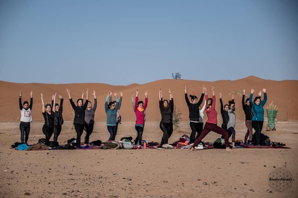 yoga dans le désert de merzouga